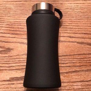 Large black water bottle sustainable